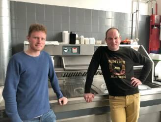 """Frituur/Eethuis De Plek krijgt nieuwe uitbaters én nieuwe naam: """"Amper getwijfeld toen ik het aanbod kreeg om de zaak over te nemen"""""""