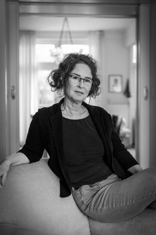 Documentairemaakster Jacky Brakels thuis in Arnhem