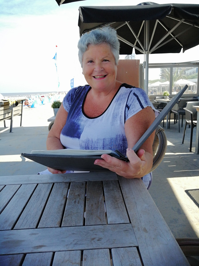 Mantelzorger Lenie Sibbelee is al 9 jaar niet op vakantie geweest vanwege de zorg voor haar moeder.