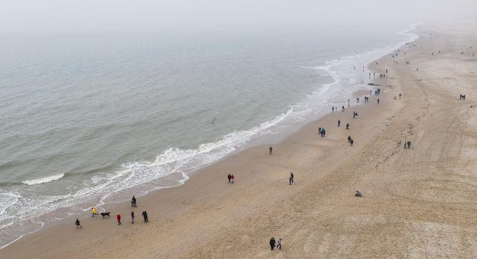 Al decennialang veroorzaken grootse plannen voor kustuitbreiding en bouwen op zee voor onrust in de Haagse regio. Op de zandmotor na kwam er niets van terecht.
