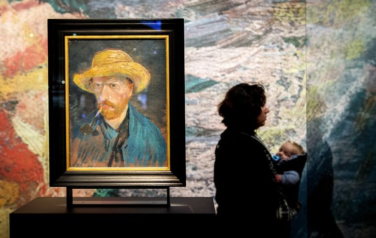 Een zelfportret van Vincent van Gogh in het Van Gogh museum Beeld anp