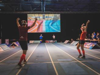 Iets tussen padel, gamen en beachvolley: 'Ballistic' is de allereerste VR-sport (en je kan die in Gent spelen)