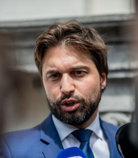 """Sophie Wilmès présente aux négociations gouvernementales pour """"recadrer"""" Bouchez"""