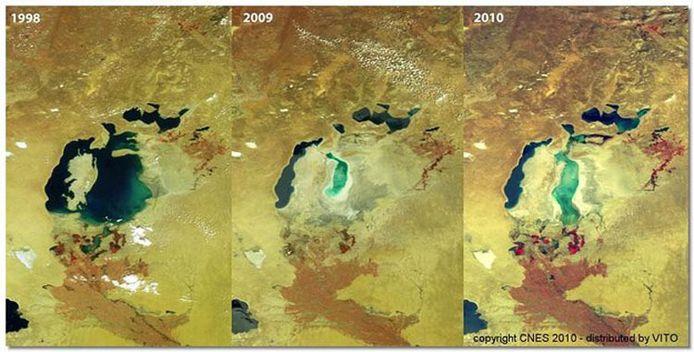 En dix ans, la superficie de la mer d'Aral, à cheval sur le Kazakhstan et l'Ouzbékistan, a diminué de moitié. Cet assèchement, dû au détournement des deux fleuves pour produire du coton en masse, est une des plus importantes catastrophes environnementales du 20e siècle. Un désastre photographié par Spot 4 et Spot 5.