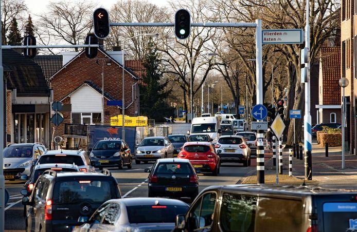 Gezinnen hebben last van hun veel te drukke Heuvelstraat in Deurne.