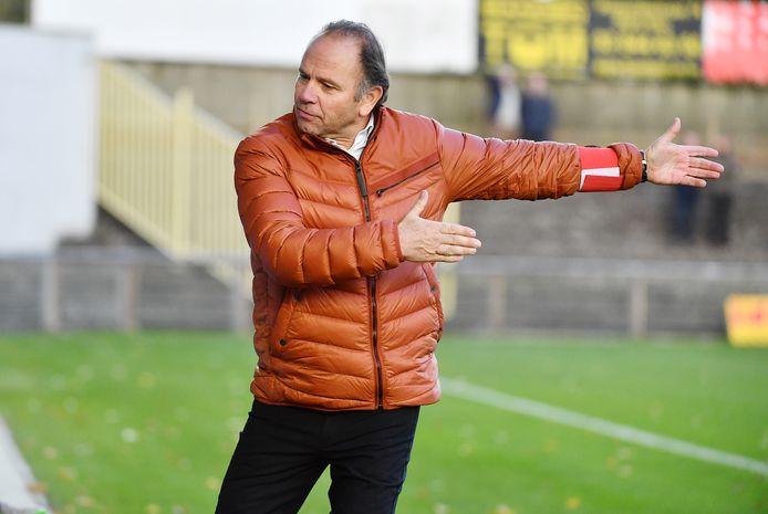 Urbain Spaenhoven wil zijn dertig jaar ervaring als trainer nu gaan inzetten als extern voetbalconsulent.