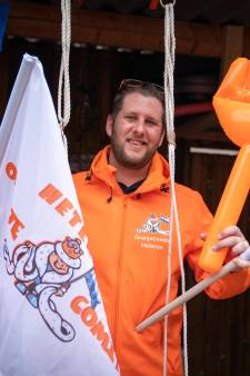 Oranjeman Mark ligt niet wakker van een dure speedboot: 'De koning kan het nooit goed doen'