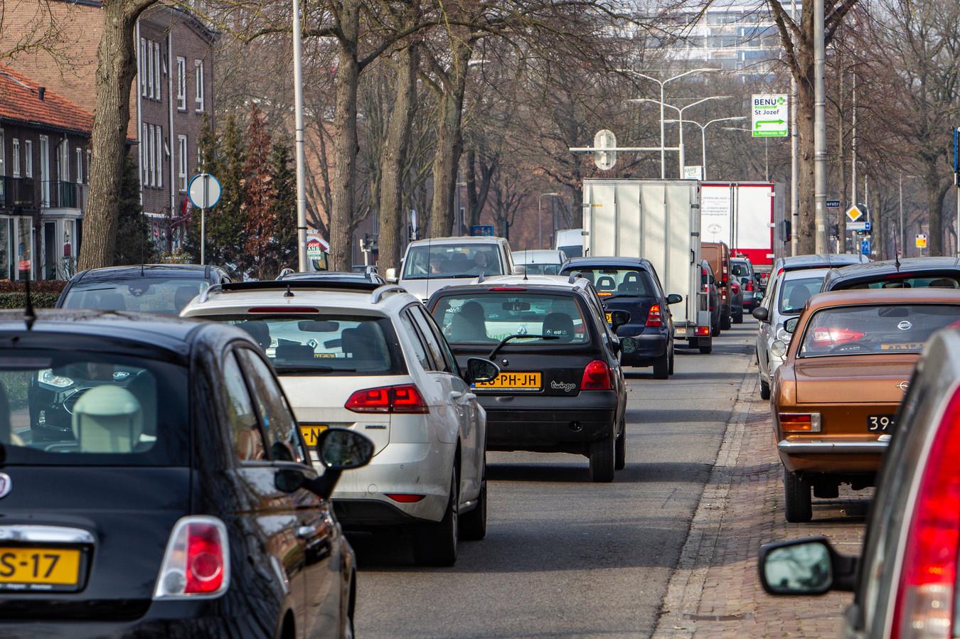 De Van Oldenielstraat is woensdag compleet afgesloten voor verkeer