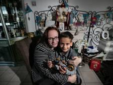 Sint brengt gezinnen met weinig geld cadeaus: 'Een Lego-auto had ik zelf niet kunnen kopen'