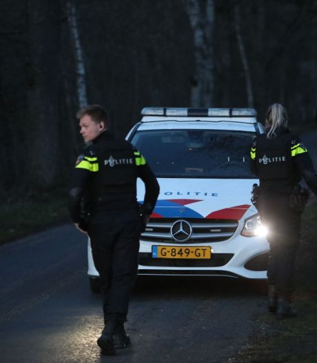 Tumult in Vaassen: politie kamt gebied uit in kogelwerende vesten en met helikopter, één persoon gewond