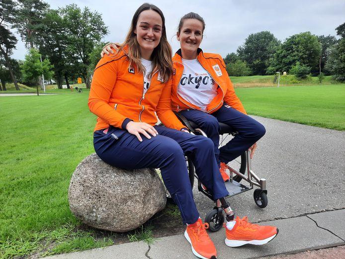 Xena Wimmenhoeve uit Wijhe en Jitske Visser uit Zwolle maken deel uit van de paralympische rolstoelbasketbalselectie.