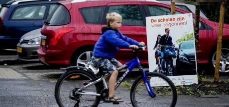 Gorinchem over drukte rond scholen: zelf verkeer regelen mag niet, maar er komt een oplossing