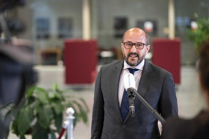 Burgemeester Ahmed Marcouch hoopt dat de stijgende trend van coronabesmettingen in Arnhem en regio wordt gekeerd, opdat zwaardere restricties in het openbaar en maatschappelijk leven niet nodig zijn.