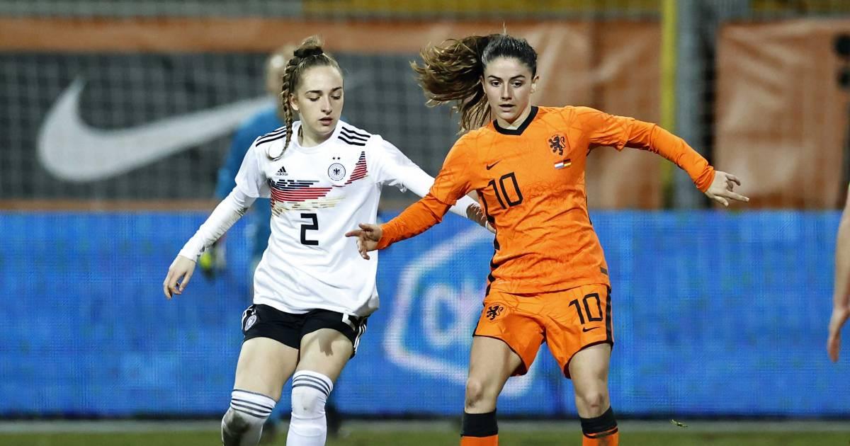 Oranje boekt oefenzege op Duitsland dankzij goals Groenen en Van de Donk - AD.nl