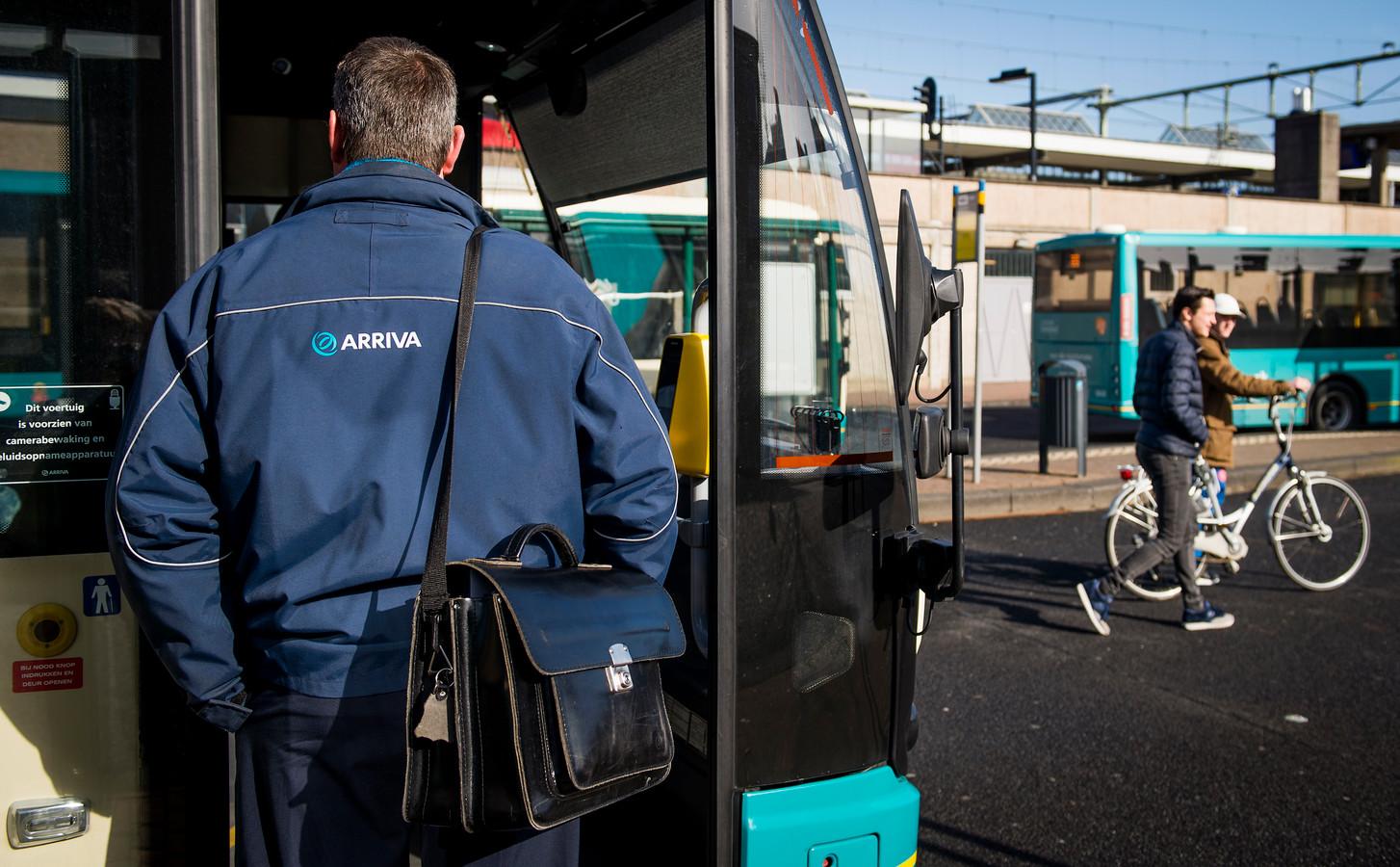 Voortaan moeten busreizigers met de lijnbus.