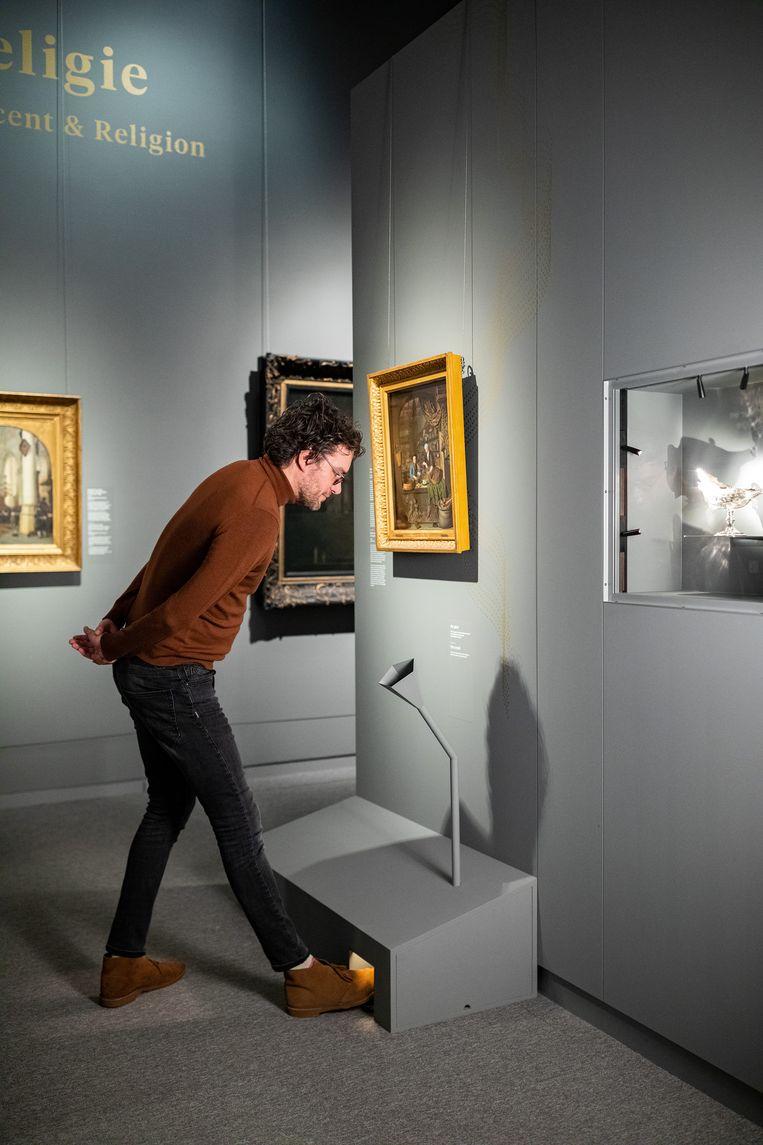 Een geurdispenser op de tentoonstelling 'Vervlogen - Geuren en kleuren' in het Mauritshuis in Den Haag. Beeld Mauritshuis
