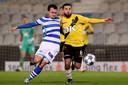 """Maurice Steijn noemt Mounir El Allouchi (rechts) een voorbeeld van een buitenspeler die ook als middenvelder kan spelen. ,,Iemand tussen de linies. In balbezit ontstaat dan een soort vierkant op het middenveld."""""""