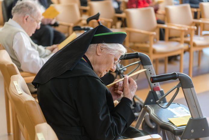 Gezang en gebeden klonken bij de overdracht van het Fraterhuis van Sint Jozef aan een nieuwe eigenaar.