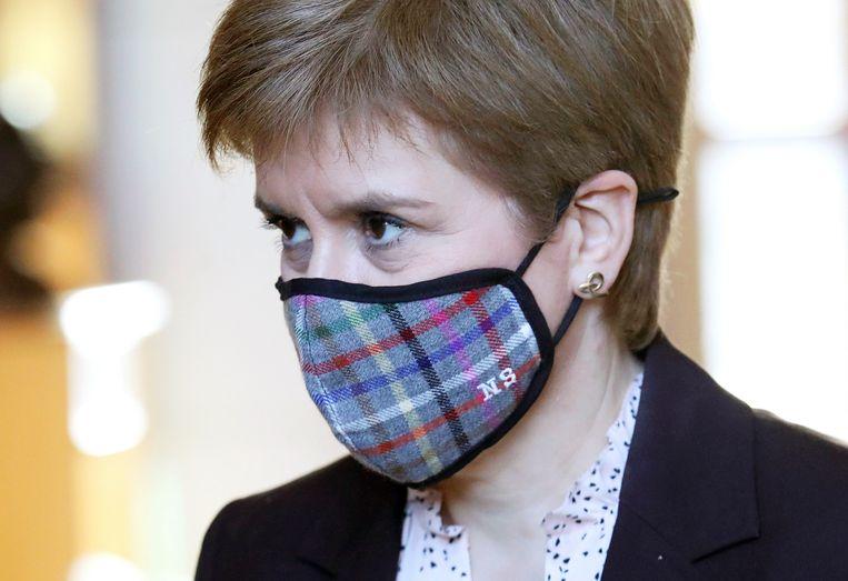 De Schotse premier en SNP-leider Nicola Sturgeon stuurt aan op een nieuw onafhankelijkheidsreferendum als haar partij in mei opnieuw de meerderheid krijgt in het Schotse parlement. Beeld AP