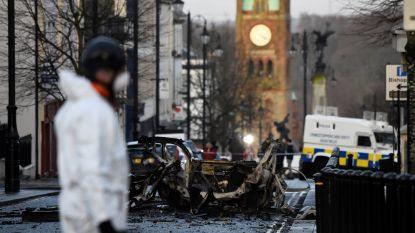 Vijfde verdachte opgepakt na bomauto in Noord-Ierland: nieuw veiligheidalarm afgekondigd