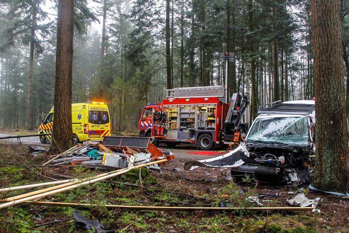 Aan de Heetweg in Kootwijk heeft dinsdagochtend een ernstig eenzijdig ongeval plaats gevonden.