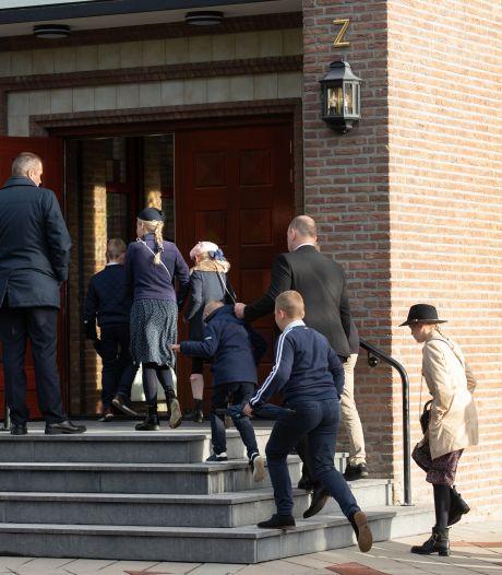 Kerken op Urk schalen aantal bezoekers op zondagen steeds verder af