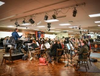 """Muzikanten Dynamic Symphonic Band kunnen eindelijk weer podium op en brengen """"Imagine"""""""