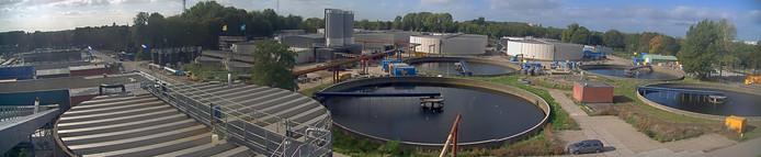 Een overzicht van de nieuwe zuiveringsinstallatie in Utrecht in aanbouw. Hier wordt de grootste warmtepomp van Nederland aan toegevoegd.