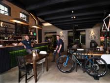 Toch succes na valse start; Zeddams wielercafé lokt wielrenners met bijzondere fietsen en eigen biermerk