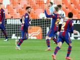 Messi houdt Barcelona met formidabele vrije trap in titelrace