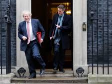 Hoe meer schade de 'Britse Hugo de Jonge' oploopt, hoe sterker premier Johnson oogt