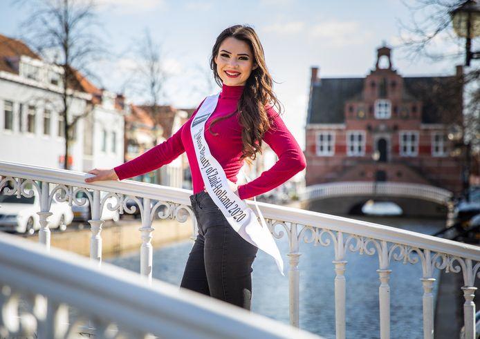 Vera uit Oud-Beijerland hoopt dit jaar Miss Beauty van Zuid-Holland te worden.