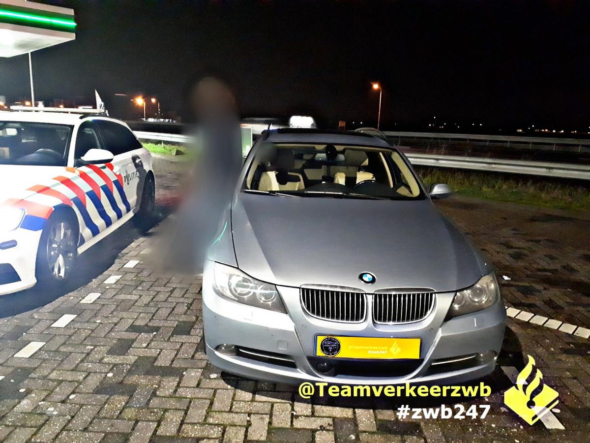 De bestuurder reed met 228 km/u voorbij de politie.