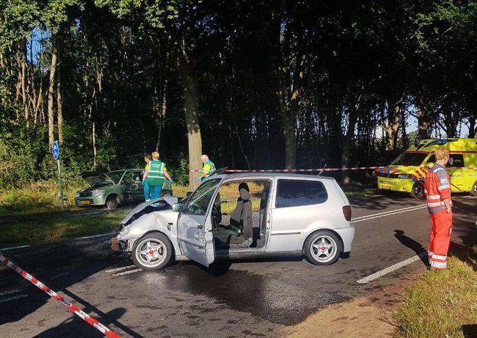 Bij het ongeluk in Frederiksoord zijn drie mensen gewond geraakt.