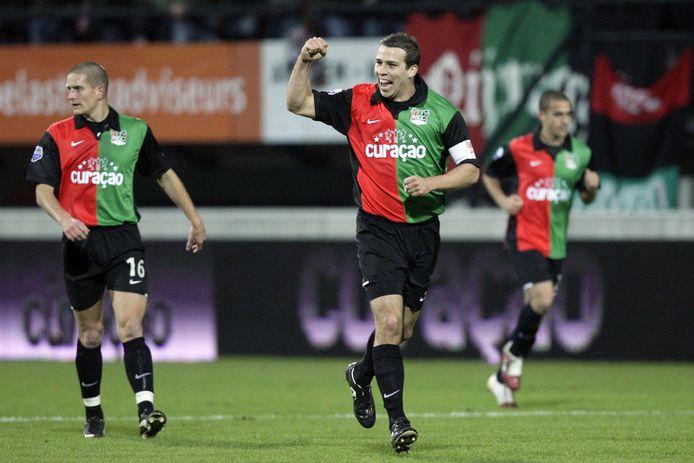Peter Wisgerhof juicht na een doelpunt voor NEC.