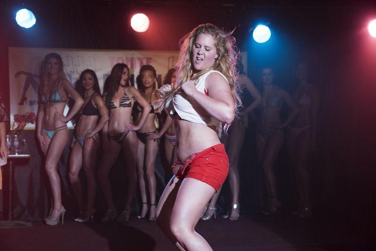 Amy Schumer in 'I Feel Pretty'. De film schreeuwt: lang leve body positivity! Maar net iets te opzichtig. Beeld Mark Schäfer/Courtesy of STXfilms