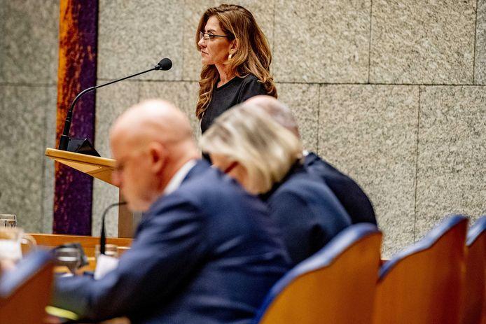Dilan Yesilgöz-Zegerius tijdens een debat in de Tweede Kamer.