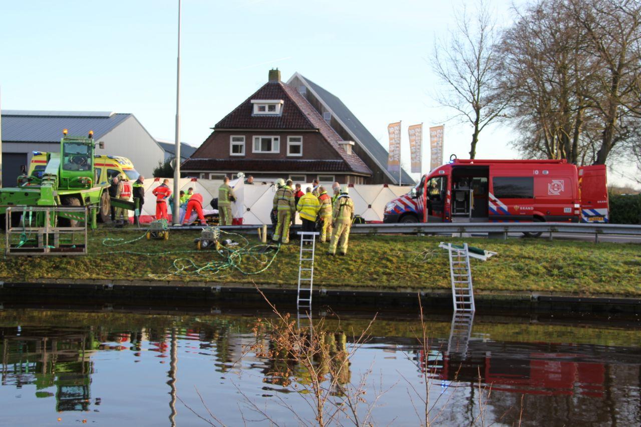 Hulpverleners op de plek van het ongeval bij Havelte.