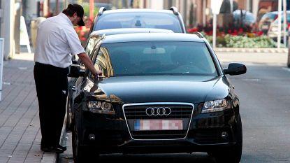 """Parko gaat vanaf januari controleren in Wervik, parkeerboetes verdubbelen: """"Wie zijn parkeerschijf niet legt, riskeert een boete van dertig euro"""""""