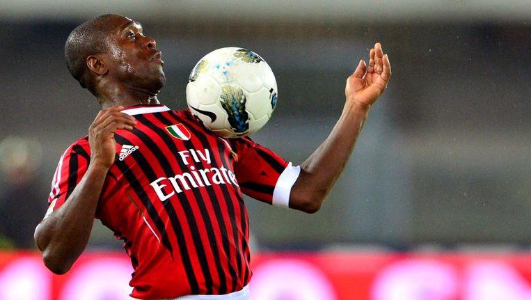Clarence Seedorf in de wedstijd van AC Milan tegen Chievo, vorig jaar april. Beeld afp