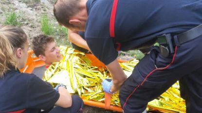 """Jonge wielrenner (18) maakt val van 40 meter in Alpe d'Huez: """"Besef dat ik dood had kunnen zijn"""""""
