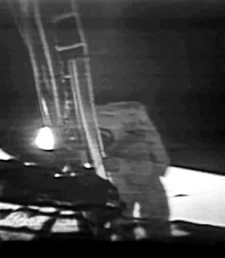 Slaapdronken turen naar een Michelin-mannetje op de maan