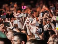 Het gevaar van de smartphone: 'We accepteren het allemaal, in ruil voor gemak'