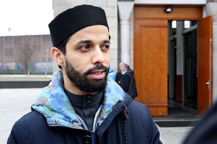 Rotterdamse imam Azzedine Karrat voor de Essalam Moskee.