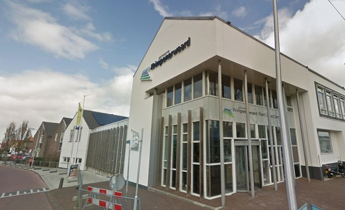 Het huidige gemeentehuis van de gemeente Krimpenerwaard in Stolwijk.