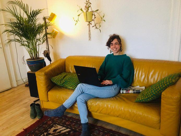 Kris Woltering werkt thuis in plaats van in Rwanda.