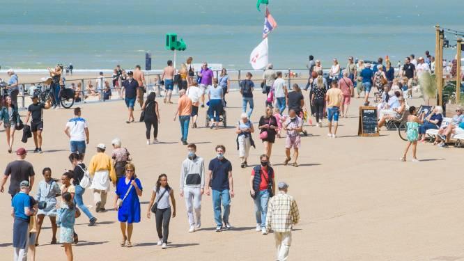 """Tot 45 000 kustbezoekers in Oostende, centrum opnieuw vrij vanaf 17u: """"De situatie wordt geleidelijk aan rustig"""""""