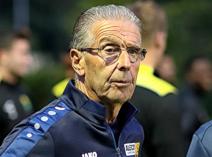 Frans Vermeulen, trainer van Halsteren (foto: Chris van Klinken/Pix4Profs)
