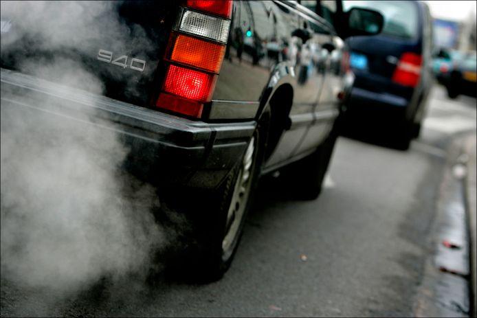 Veel mensen maken zich zorgen over de luchtkwaliteit in hun leefomgeving. Archieffoto. ANP PHOTO ROBIN UTRECHT