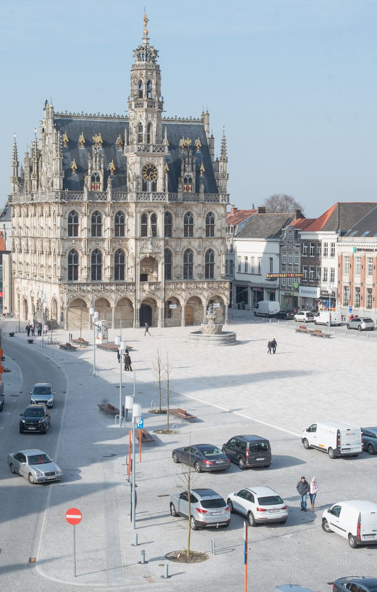 Hoe moeizaam de stad communiceert, is volgens Dagmar Beernaert (sp.a) gebleken bij de heraanleg van de Markt.